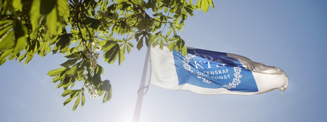 KTH flag blowing in the summer sky